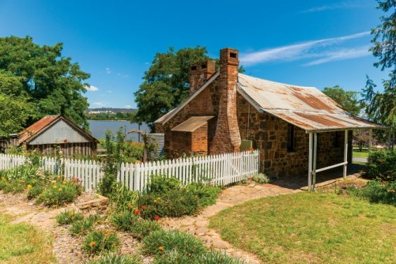 blundells cottage canberra tourist hotspot ACT short term holiday accommodation blog