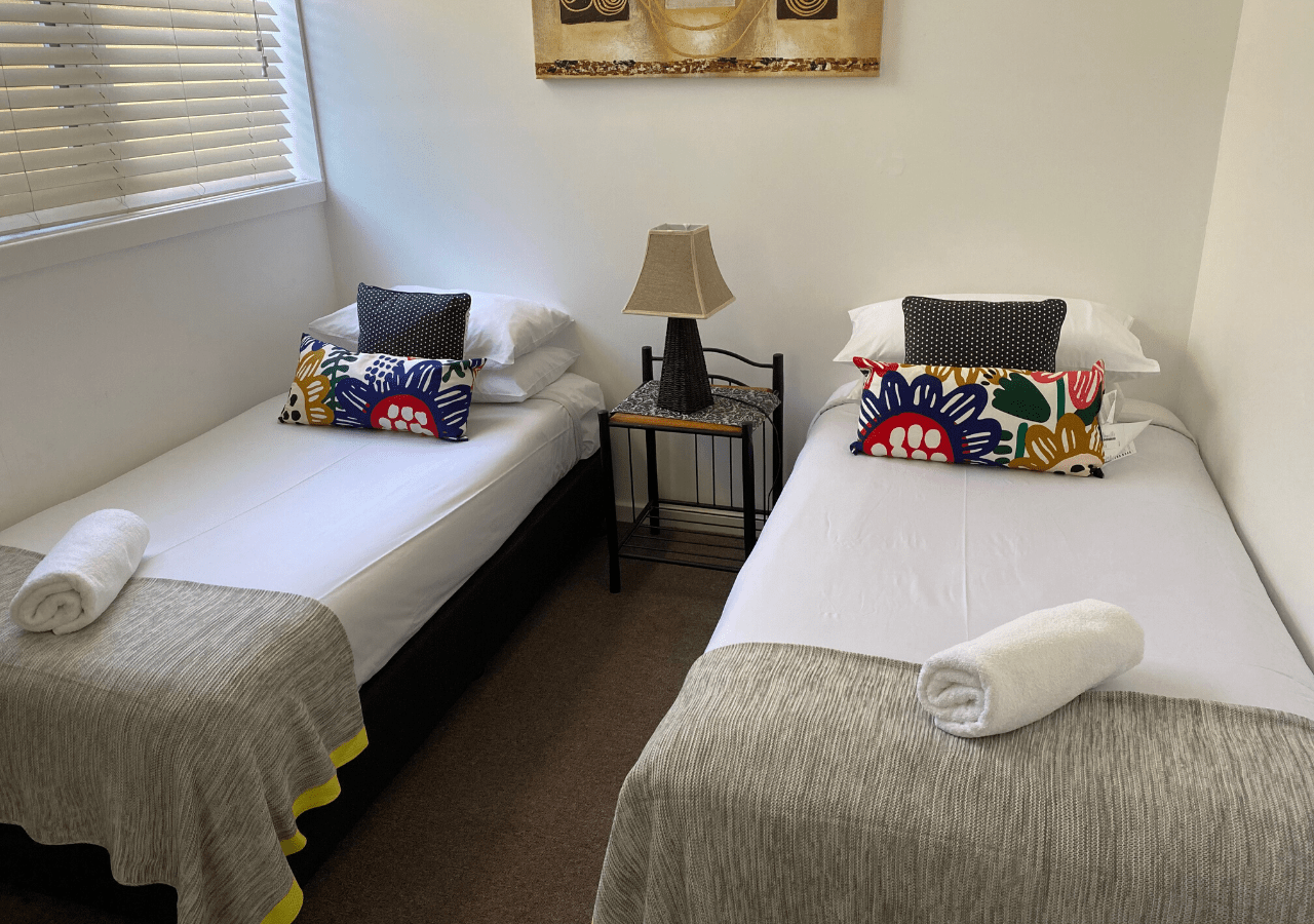 canberra short term holiday accommodation workers ACT tradie hotel travel australia capital city griffith budget 2 bedroom