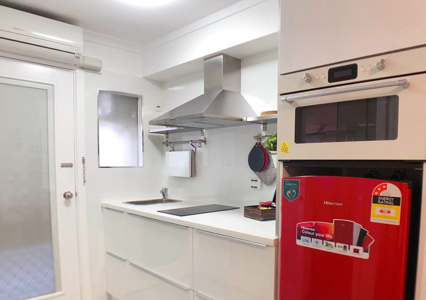 canberra ACT canbhol short term holiday accommodation hotel motel kitchen kitchenette budget