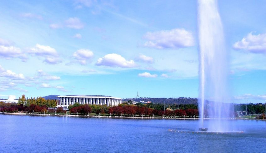 canberra short term holiday accommodation ACT capital city workers tradie business corporate hotel motel budget library lake burley griffin