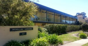 canberra short term holiday accommodation mcmillan gardens ACT canbhol hotel motel griffith