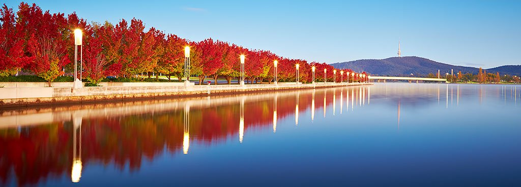 canberra short term holiday accommodation lake burley griffin autumn leaves hotel motel